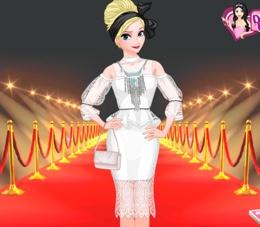Elsa Kırmızı Halı Seremonisinde