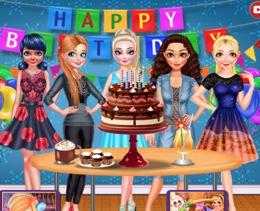 Elsa'nın Doğum Günü Pastası