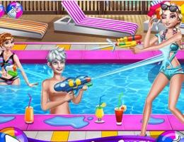 Frozen'ların Havuz Partisi