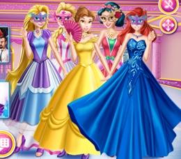 Prensesler Maskeli Balo Alışverişinde