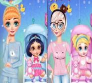 Frozen Kardeşler Bebek Bakıyor